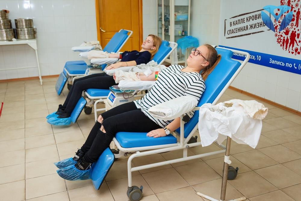 Фото 7_Студенты Запорожского медицинского колледжа своим примером призвали всех запорожцев поддержать марафон донорства